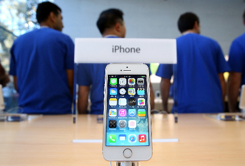 Doanh số bán iphone lần đầu tiên tụt dốc trong lịch sử