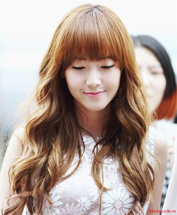 Những kiểu tóc xoăn dài đẹp hot nhất cho bạn nữ