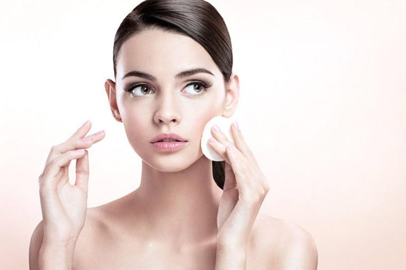 Không tẩy trang sau khi trang điểm sẽ nhanh huỷ hoại làn da