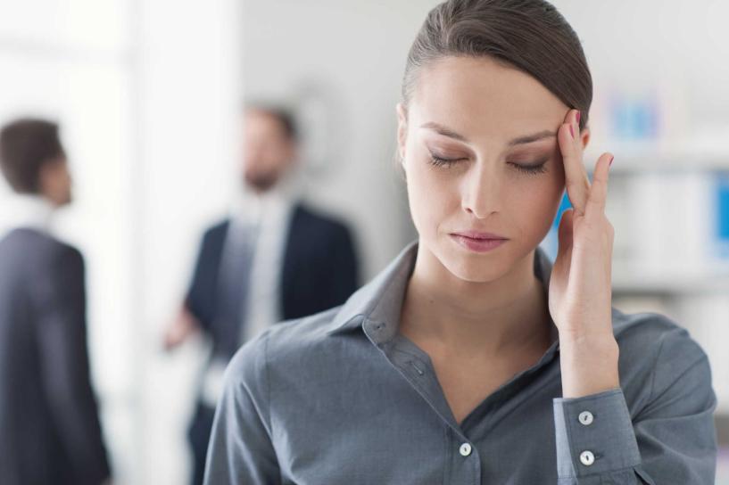 Đau nửa đầu có thể dẫn tới mù loà đột quỵ tai biến
