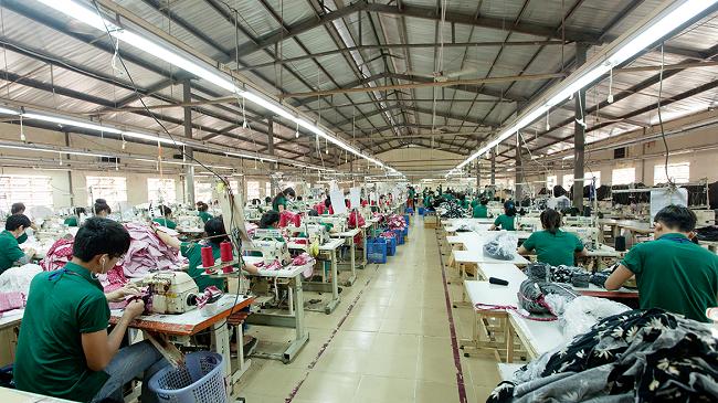 Top 5 xưởng may chuyên sỉ quần jean tại tphcm